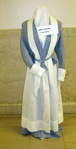 1900 Style Nurse Uniform Lacks History Information